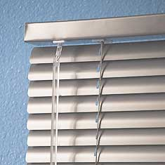 clean operable mini blinds
